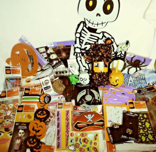 61 HALLOWEEN PARTY FAVORS & DECORATIONS TREAT BAGS WINDOW CLINGS PENCILS & MORE!