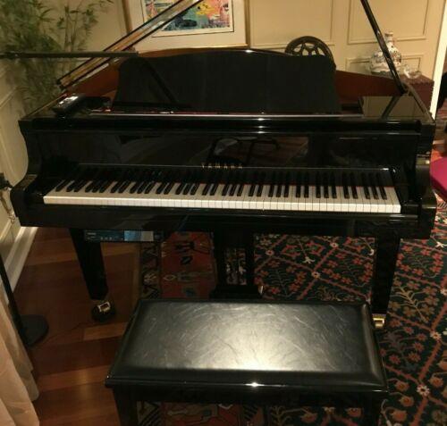 YAMAHA BABY GRAND PIANO DGB1 DISKLAVIER