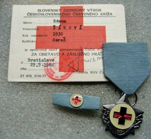 /Slovakia RED CROSS MERIT MEDAL BADGE & document,1986