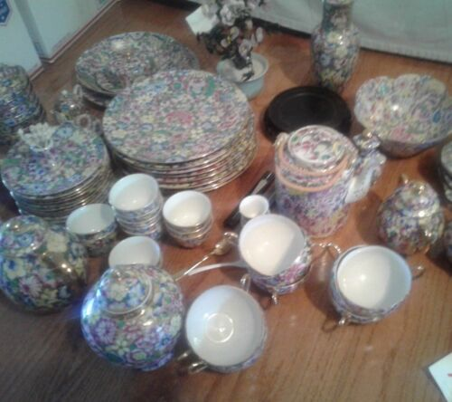 Thousand Flowers China   dishes and extra pieces  Dinner set extra beautiful
