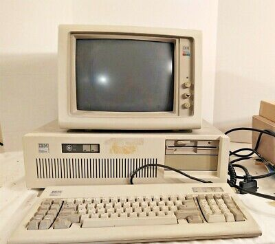 Vintage IBM Personal Computer AT (Model 5170)