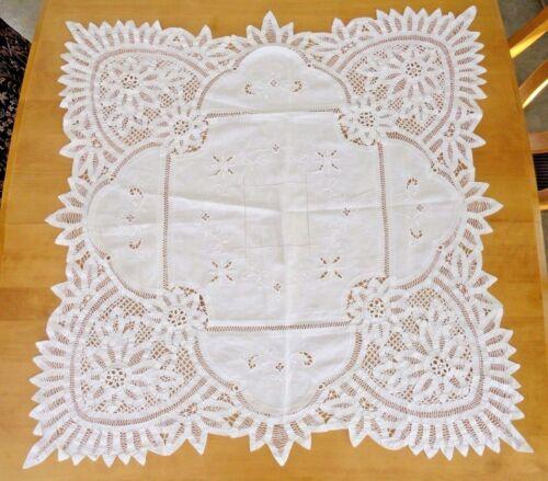 """Antique  Vintage Beautiful Battenburg Lace Tea Cloth Ivory 33"""" Sq."""