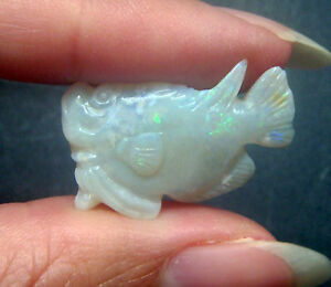 9.55 Cts. NATURAL AUSTRALIAN OPAL FISH CARVING FIGURINE 4 JEWELRY/ COLLECTIBLE