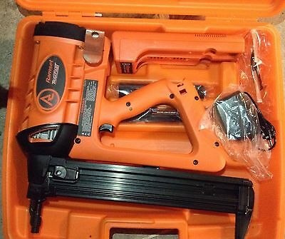 RAMSET TF1200 TRAKFAST FASTENER GUN, BRAND NEW, 2 BATTERIES, CHARGER, FREE SHIP