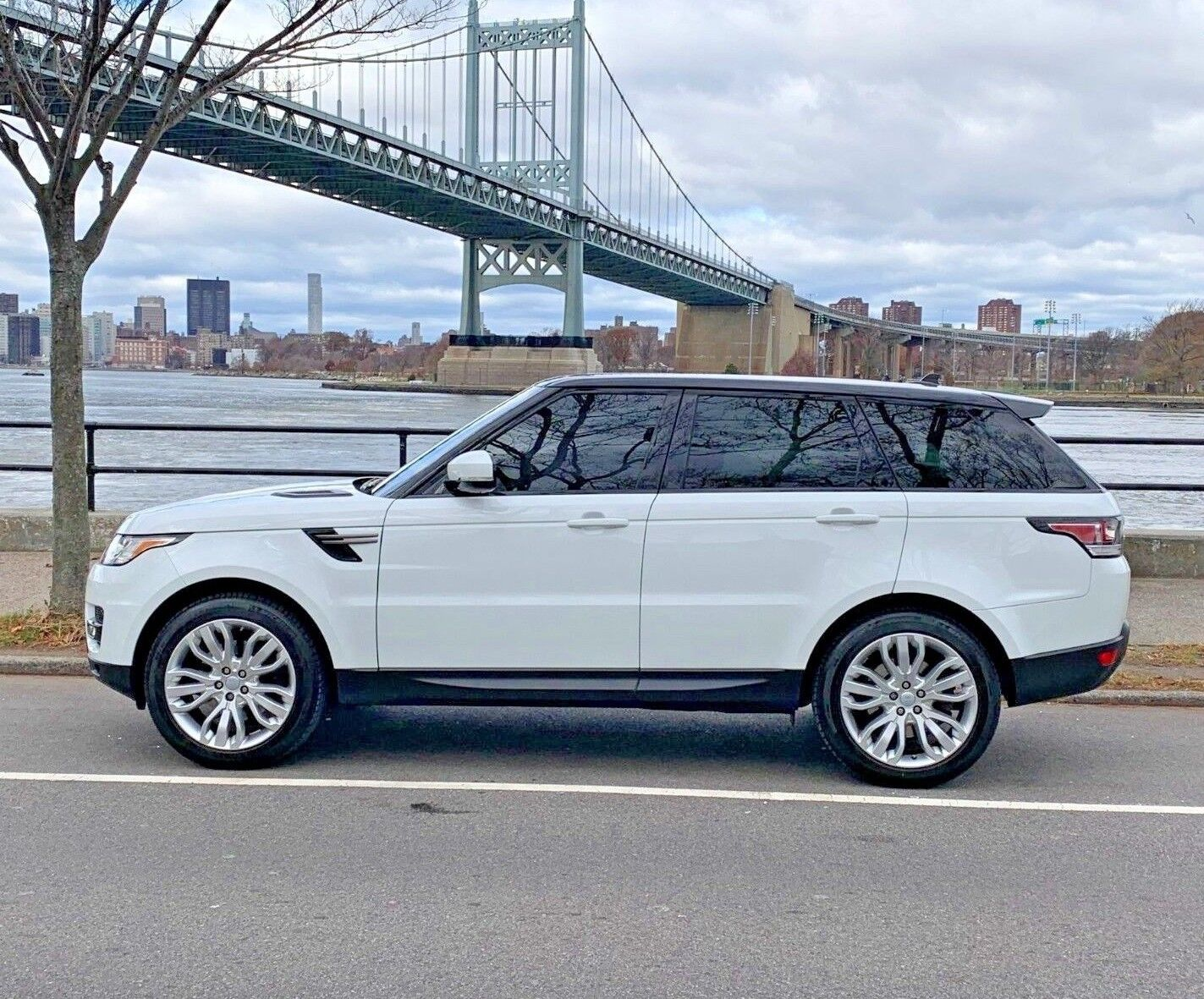 2016 Land Rover Range Rover Sport 4WD 4dr V6 Diesel SE 2016 Land Rover Range Sport Diesel Pano Vision Assist Climate Visibility Package
