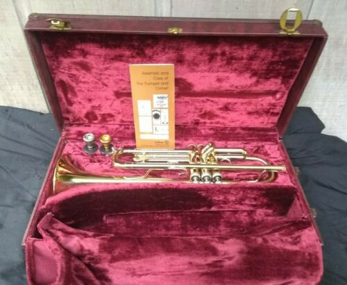 HOLTON SYMPHONY T101B TRUMPET in excellent working perfectly condition!