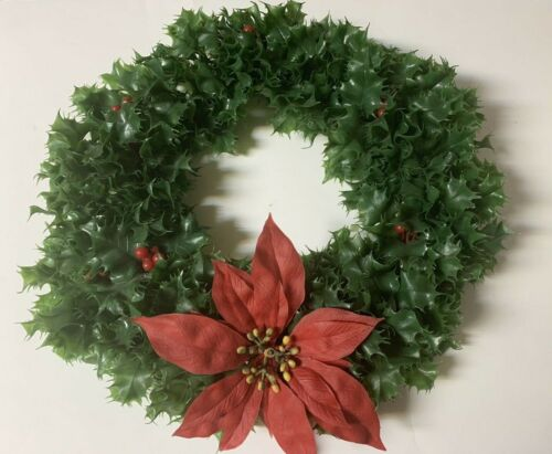 Vintage NORMAN Plastic Christmas Wreath Holly Leaves & Berries Poinsettia 16""