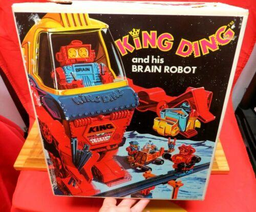 VINTAGE 1971 TOPPER DING A LINGS ~   KING DING ROBOT W/ORIGINAL BOX !!!!