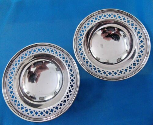 Antique  Pair TIFFANY & CO. Sterling Silver plates Salt Cellars 1900 - 1940