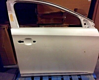 OEM 2013 CADILLAC XTS RH FRONT DOOR 22892653 COLOR WILL VARY