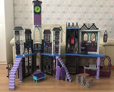 Monster High High School DeadLuxe Deluxe Dolls Playset Play Set House Toys