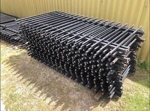 30 x Heavy Duty Fence 2.4m Wide x 1.2m High (CAN DELIVER)
