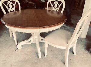MOVING SALE KITCHEN TABLE CHAIRS DINING SET
