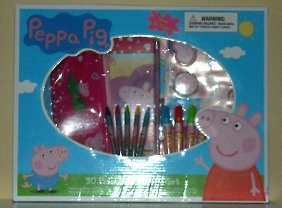 PEPPA PIG 30 PIECE STATIONARY SET
