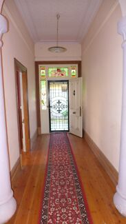 Large room in St Peters share house