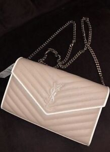ENVELOPE WALLET WITH CHAIN IN PINK AND WHITE