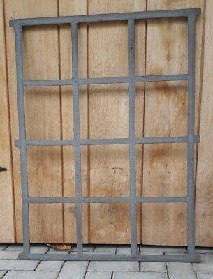 Großes Stallfenster Fenster Gussfenster Gartenmauer Eisenfenster Garage Scheune