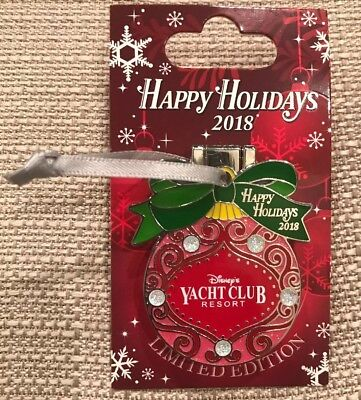 Disney Happy Holidays 2018 Yacht Club Resort Pin LE 1250 Belle Holding Gift New