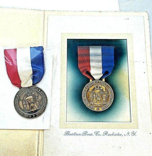 "Vintage BSA ""Minsi Trails Council"" Historic Trail Badge with Original Artwork"