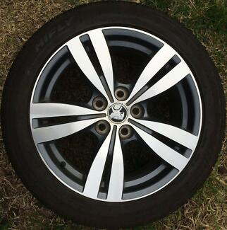 1x Holden Commodore Omega VF SV6 alloy wheel + tyre 18 inch