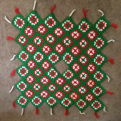 1970's GRANNY SQUARE Hand Crocheted CHRISTMAS TREE SKIRT Vintage Handmade