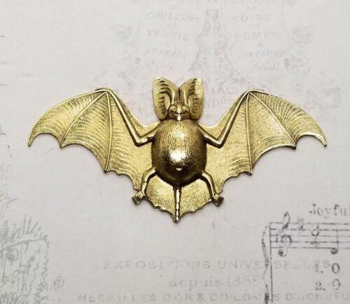 Large Brass Bat Stamping x 1 - 6850RAT