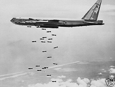 U.S. Air Force USA Bomber Bombing Vietnam War 8 x 10 Photo Photograph Picture