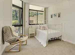 Stunning King Single Cast Iron Bed Frame Cremorne North Sydney Area Preview