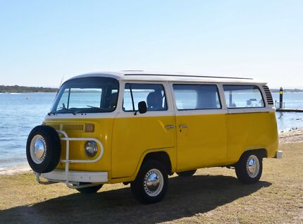 f3bab7ab95 1974 Volkswagon Kombi with spare parts