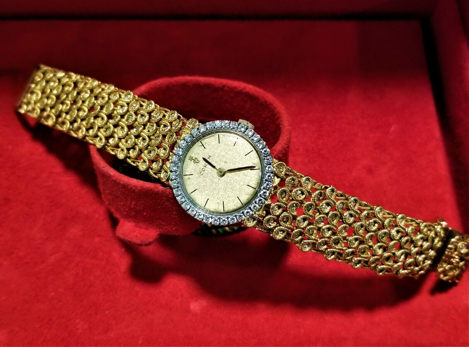 Original Vintage 18k Gold Corum Bubble Diamond Bezel And Bracelet 49g Working La - watch picture 1