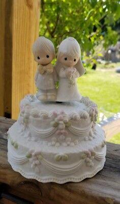 Precious moment bride and groom cake topper musical