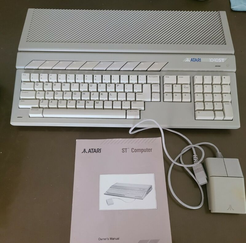 Vintage ATARI 1040STF Computer, Mouse, Manual, Original Box, Tested and Works.