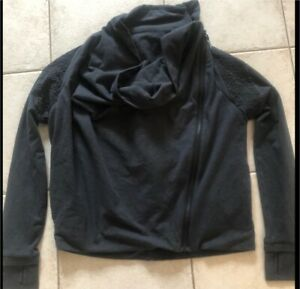 LULULEMON SWEATER SIZE 6!