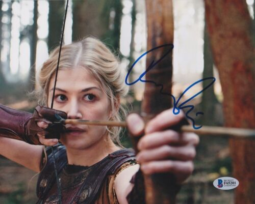 ROSAMUND PIKE SIGNED 8X10 PHOTO WRATH OF TITANS BECKETT BAS AUTOGRAPH AUTO COA A