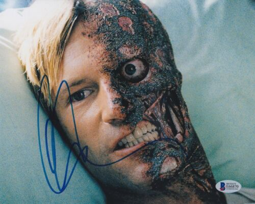 AARON ECKHART SIGNED 8X10 PHOTO DARK KNIGHT BECKETT BAS AUTOGRAPH AUTO COA F