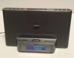 Sony iPhone/iPod Docking Station Radio Alarm Clock Dream Machine ICF-CS15iP