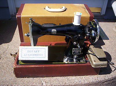 VINTAGE SEWING MACHINE MONTGOMERY WARDS PRECISION BUILT MADE  JAPAN ATTACHMENTS on Rummage