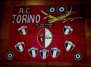 TORINO-TORO-BANDIERA-ANNI-70-CALCIO