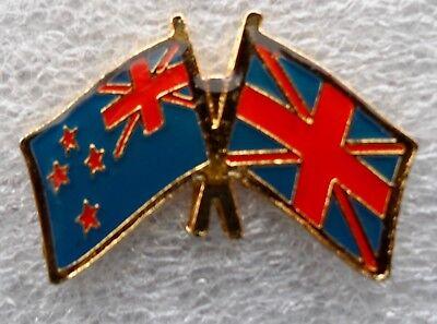 New Zealand Flag & United Kingdom Flag - Friendship Courtesy Pin Badge