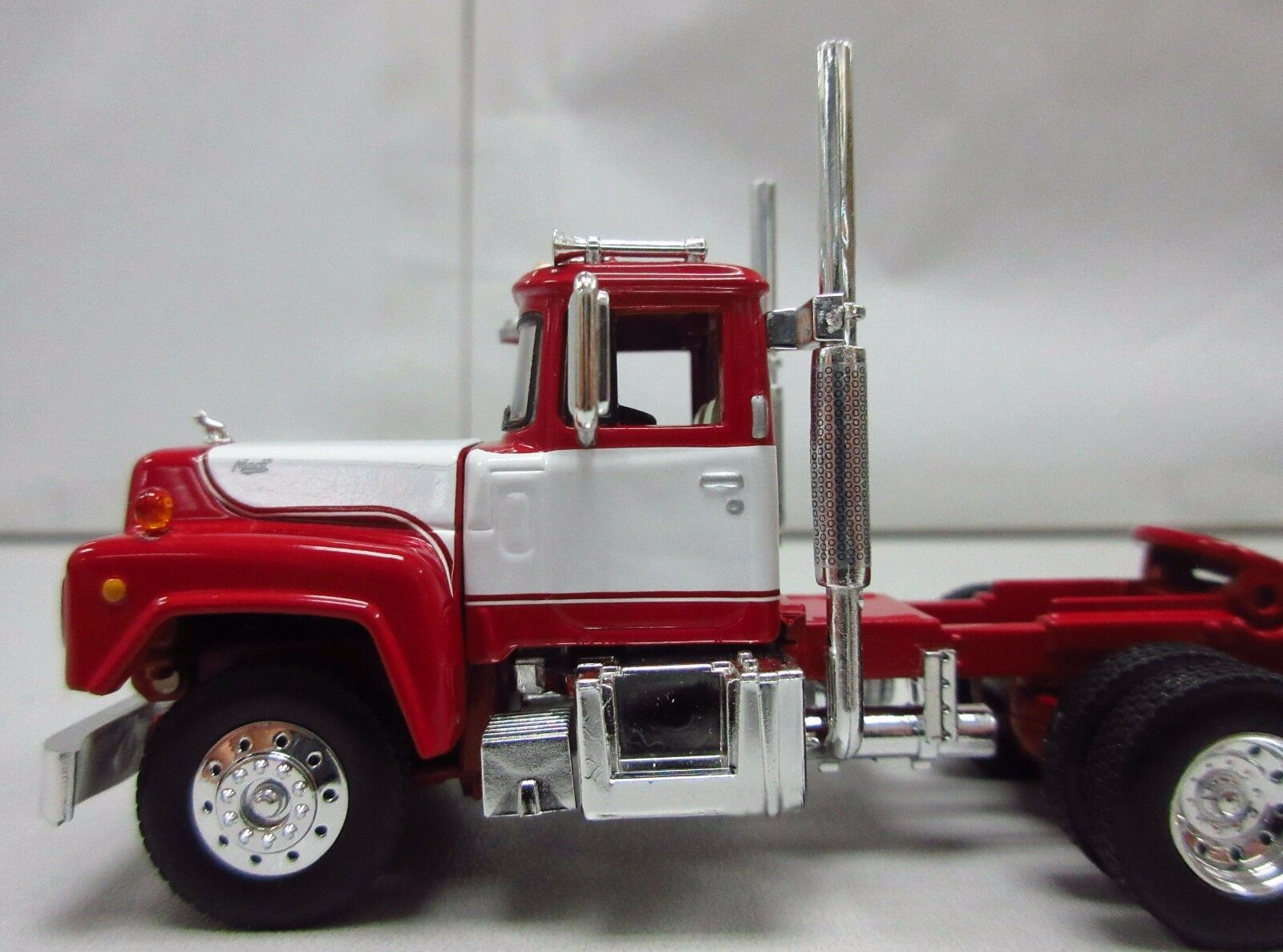 1st Gear, 1/64th scale R Model MACK Red & White