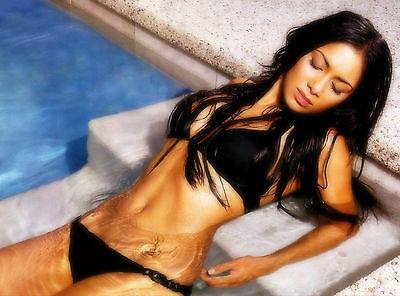 Nicole Scherzinger Unsigned 8x10 Photo (77)