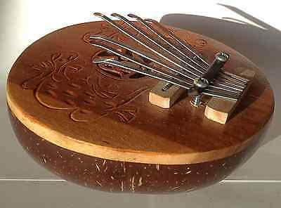 Holz Kalimba Daumen Klavier mit Gecko Motiv  Musikinstrument 13cm