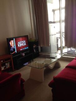 1 bed in share room for 1 Boy in CBD