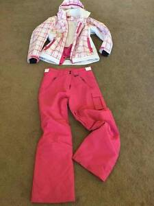 WOMEN'S SKI/ SNOWBOARD PANTS AND JACKET SIZE 14-18 Mudgeeraba Gold Coast South Preview