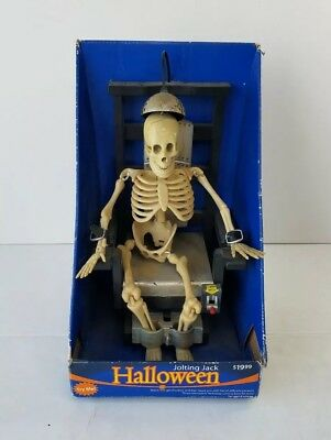Halloween Joltin' Jack Electric Chair Skeleton,   NIB (Needs Battery Replace) (Halloween Decoration Electric Chair)