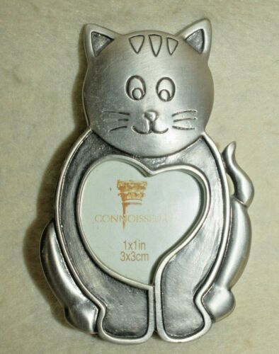 Estate -Pewter Cat Frame with Heart on Tummy for Picture  Look Adorable