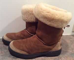 Authentic UGG Boots Brown Size 9
