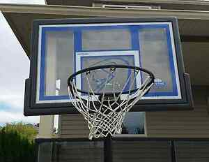 Selling Lifetime Basketball Hoop - Good Condition