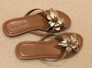 Banana Republic Flip flop size 7 medium