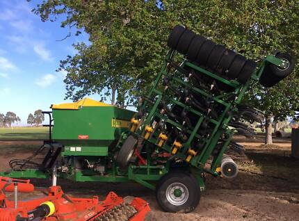 Aitchison Airpro Mk3 4132T Seeder